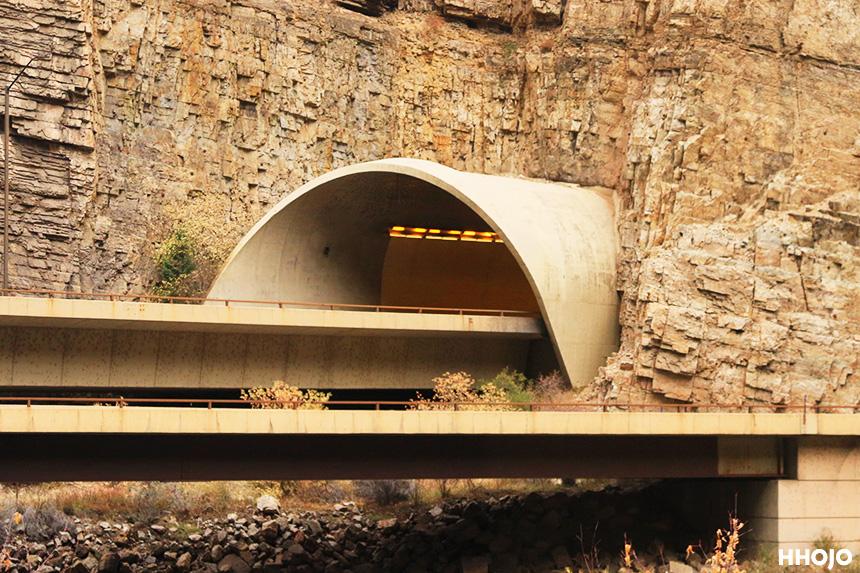 day18_amtrak_colorado_tunnel_img16