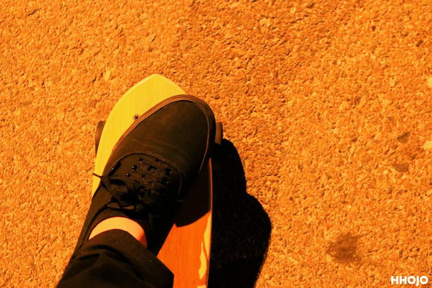バンズとスケートボード画像