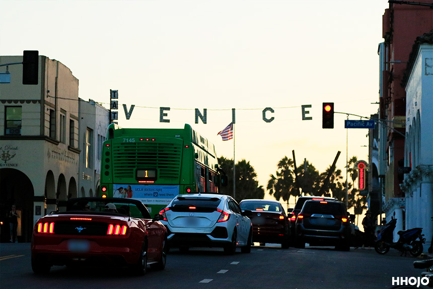 day9_venice_sign_img